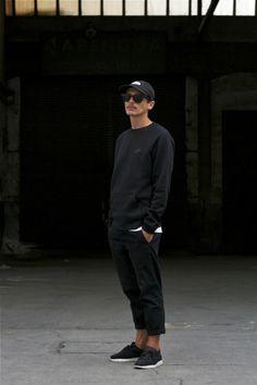 aquatty: julescastel: Pic by Jules Castel OOTD Daily. All Black Look Men, All Black Looks, Casual Outfits, Men Casual, Fashion Outfits, Fashion Trends, Gq Fashion, Urban Fashion, Casual Wear