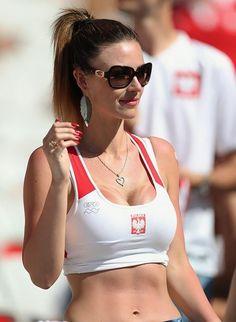 Russia 2018 : Beautiful And Hot Football Fans Pictures . Hot Football Fans, Football Cheerleaders, Football Girls, Soccer Fans, Cheerleading, Female Football, Poland Girls, Hot Fan, Grid Girls