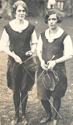 female fencers, 1927