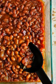 Grandma's Baked Beans are seasoned with bacon, brown sugar, molasses, and ketchup to create this mouthwatering side dish! Baked Beans Recipe Brown Sugar, Grandma Browns Baked Beans Recipe, Pork And Beans Recipe, Baked Beans From Scratch, Canned Baked Beans, Baked Beans Crock Pot, Best Baked Beans, Slow Cooker Baked Beans, Baked Beans With Bacon