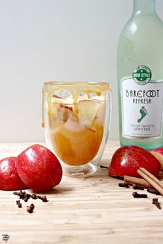 sparkling caramel apple sangria / dreambookdesign.com