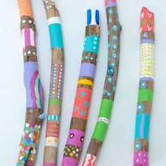 So next time you go on a nature walk grab a TON on unique looking sticks for this simple kids diy nature craft!