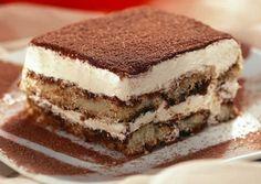 Ingredientes: 1 pacote de natas 1 embalagem de queijo Mascarpone (+-250 grs) Palitos de champanhe Café forte 6 a 8 c de sopa de açúcar Cacau em pó Preparação: Bata, com a batedeira, as natas com aç…
