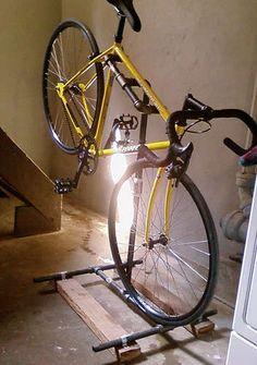 DIY Bike repair stand