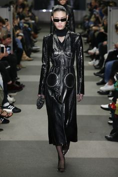 The complete Alexander Wang Fall 2018 Ready-to-Wear fashion show now on Vogue Runway. Today's Fashion Trends, Fashion 2018, Fashion Week, Editorial Fashion, Runway Fashion, Alexander Wang, Trent Coat, Long Leather Coat, Black Leather