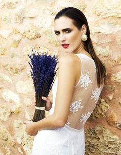 Charo Ruiz la reina del diseño en vestidos de novia estilo playero | All You Need Is Love