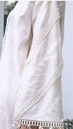 Stylish Dress Book, Stylish Dresses For Girls, Stylish Dress Designs, Casual Dresses, Simple Pakistani Dresses, Pakistani Fashion Casual, Pakistani Dress Design, Kurti Sleeves Design, Sleeves Designs For Dresses