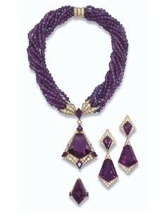 sanfranciscoluxurist:  I am going to end February on a really High Note….check out this amazing suite of Amethyst. The stone shapes are amaz...