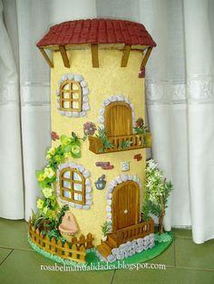 tejas decoradas paso a paso cocina - Buscar con Google Diy Crafts Slime, Slime Craft, Tile Crafts, Clay Crafts, Diy And Crafts, Clay Houses, Ceramic Houses, Miniature Houses, Miniature Crafts