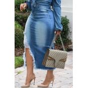 Lovely Casual Broken Holes Slim Blue Denim Mid Calf Skirts We Miss Moda is a leading Women's Clothing Store. Offering the newest Fashion and Trending Styles. Denim Fashion, Look Fashion, Womens Fashion, Fashion Trends, Fashion Ideas, Latest Fashion, Fashion Hacks, 80s Fashion, Fashion 2017