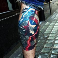 70 Captain America Tattoo Designs For Men - Idées Superhero encre Marvel Tattoos, Marvel Tattoo Sleeve, Dc Tattoo, Avengers Tattoo, Comic Tattoo, Tattoo Fails, Leg Tattoo Men, Sleeve Tattoos, Hulk Tattoo