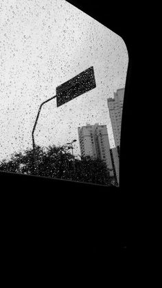 ☼ stay for the storm if you can take it ♡ but pray for a raincoat ☾ // mrsandmrstyles † Rain Photography, Tumblr Photography, Rain Wallpapers, Cute Wallpapers, Aesthetic Photo, Aesthetic Pictures, Rain Days, Black And White Aesthetic, Black Wallpaper