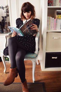 Abbinare i Chelsea boots - Chelsea boots con calze coprenti e minidress