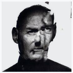 // Irving Penn. SelfPortrait. Fotógrafo de modas y de retratos estadounidense.