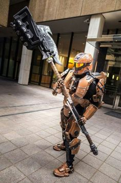 Halo cosplay this is my dream! I want to wear a halo suit soooo bad!!!