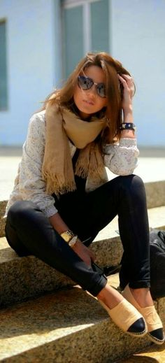 Fall / Winter - street chic style - street style - black skinnies + nude and black cap toe flats + cream knit sweater + kaki scarf + sunglasses