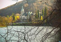 Lilafüred, Palota-szálló Hungary, Big Ben, Building, Travel, Painting, Viajes, Buildings, Painting Art, Destinations