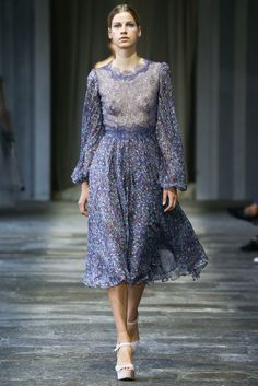 See the complete Luisa Beccaria Spring 2015 Ready-to-Wear collection.