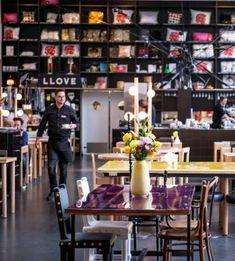 Restaurante del Lloyd Hotel & Cultural Embassy, en Ámsterdam.