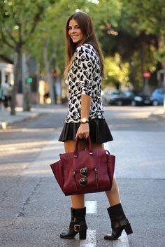 trendy_taste-look-outfit-street_style-black&white-blanco-negro-ardilla-animal_print-estampado_animal-sweater-sudadera-black_leather_skirt-fa...