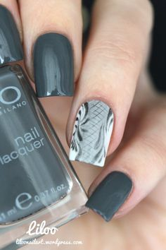 Grey nails love the standout water marbled nail design...x