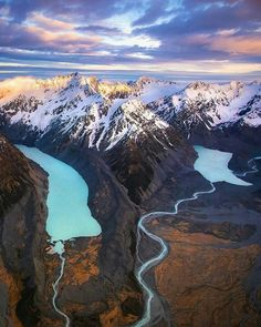 New Zealand views. 🎒 Who would you take for a backpack across this wild landscape? 🏔 - - share your adventure. Places To Travel, Places To See, New Zealand Landscape, City Landscape, Landscape Photos, New Zealand Travel, Adventure Is Out There, Places Around The World, Beautiful Landscapes
