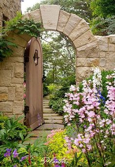 ╭⊰✿ The Romantic Cottage Garden ✿⊱╮