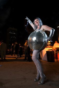 Pregnant Halloween costume... Disco Ball Costume .... made me think of you @Lili Weißensteiner J and @Portia Thompson Levasseur