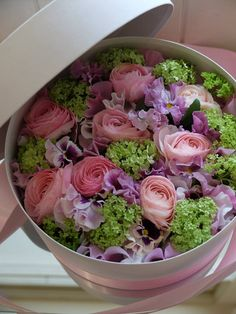 http://tokobungamurahdibekasi.blogspot.co.id/p/toko-bunga-arraiq-florist-menjual-bunga_25.html