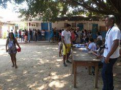 População uruaraense comparece as urnas nas eleições unificadas para Conselho Tutelar 2015. Leia no meu blog http://joabe-reis.blogspot.com.br/2015/10/populacao-uruaraense-comparece-as-urnas.html
