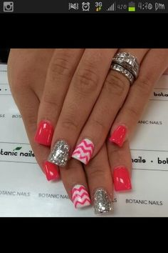 Nail Trend to Try: Chevron Nails Awwww. - - Nail Trend to Try: Chevron Nails Awwww. Get Nails, Fancy Nails, Love Nails, How To Do Nails, Simple Nail Art Designs, Easy Nail Art, Nail Designs, Pretty Designs, Gorgeous Nails