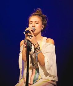Lauren Daigle 2016 #laurendaigle Christian Music Artists, Christian Artist, Christian Singers, Classy Lady, Classy Women, Laura Daigle, Francesca Battistelli, Toby Mac, Contemporary Christian Music