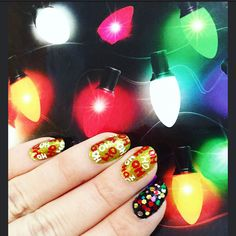HO HO HO ! Christmas nails with lights everywhere!