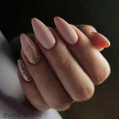 Looking for the best nude nail designs? Here is my list of best nude nails for your inspiration. Check out these perfect nude acrylic nails! Manicure Nail Designs, Nail Manicure, Almond Nails Designs, Fingernail Designs, Nail Polish Designs, Pedicure, Prom Nails, My Nails, Polish Nails