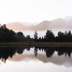 Matheson MAGIC. This is quickly becoming our favouite lake... Pic: @fallingfornz  #hakatours _________________________________  #wanaka #seasons #nz #travel #newzealand #kiwi #instatravel #travelgram #winter #snow #northisland #southisland #aotearoa #scenery #sceneryporn #beautiful #cold #ourplanetdaily #neverstopexploring #lonelyplanet #splendid_earth #tourtheplanet #beautifuldestinations #igbest_shotz #naturelovers #roamtheplanet #worldshotz #wanderlust #openmyworld