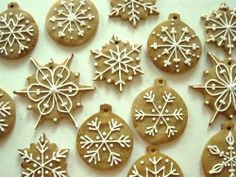 Lebkuchen spices make those special German gingerbread cookies and bars taste spectacular. Mix up your own batch for your holiday treats. Christmas Gingerbread, Christmas Sweets, Christmas Cooking, Christmas Goodies, Gingerbread Cookies, Christmas Time, Polish Christmas, Gingerbread Ornaments, Gingerbread Houses