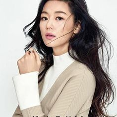 Scalp Care: Korean Hair Care 101 Starts With the Scalp Korean Actresses, Korean Actors, Asian Actors, Korean Beauty, Asian Beauty, Jun Ji Hyun Fashion, Dark Circles Under Eyes, Under Eye Bags, Good Hair Day