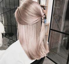 Blond Rose, Brown Blonde Hair, Beige Blonde, Rose Hair, Pink Hair, Hair Inspo, Hair Inspiration, Cheveux Beiges, Pinterest Hair