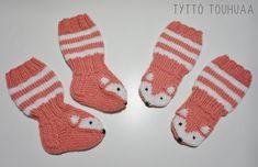 Tyttö touhuaa: Kettusukat ja -tumput vauvalle Knitting Patterns Free, Free Knitting, Knitting Socks, Handicraft, Diy And Crafts, Baby, Marimekko, Nice, Knit Socks