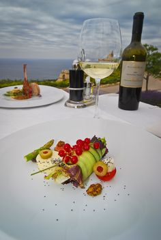 The Club House Bistro is dedicated to the Golfer's Taste combining selected dishes,snacks and beverages and the cozy atmosphere of the Club House. www.blacksearama.com