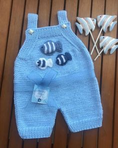 Best 12 Belly Fat Workout – Belly Fat Workout – ¡ Repíntate y comparte si esta rutina eliminó la grasa lateral! Baby Dungarees Pattern, Baby Pants Pattern, Romper Pattern, Baby Boy Knitting, Baby Knitting Patterns, Baby Patterns, Free Knitting, Knitting Toys, Start Knitting
