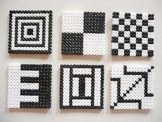 Pärlplattor som glasunderlägg (Perler coasters) by a creative cat Easy Perler Bead Patterns, Melty Bead Patterns, Diy Perler Beads, Perler Bead Art, Pearler Beads, Beading Patterns, Perler Coasters, Diy Coasters, Hama Bead Boards
