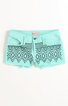 Obsessed with these Roxy Carnival Embellished Shorts! Probably gonna have to get these for summer. Look Fashion, Diy Fashion, Teen Fashion, Fashion Outfits, Womens Fashion, Cali Fashion, Embellished Shorts, Embroidered Shorts, Roxy