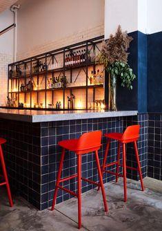 Tonchin Ramen restaurant - New York, USA Deco Restaurant, House Restaurant, Restaurant Design, Japanese Ramen Restaurant, Küchen Design, Interior Design, Design Ideas, Design Inspiration, Showroom Design