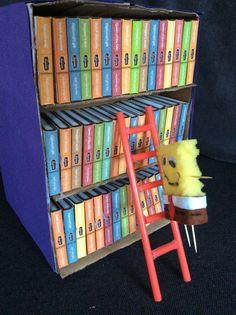 spongebob klimt in zijn boekenkast