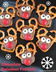 Chocolate Reindeer Pretzels - Super Easy, Super Cute!! #christmastreats