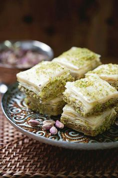 Aissa Sweets Concord NH, Must go! Homemade phyllo dough in desserts and savory meals. Just Desserts, Delicious Desserts, Dessert Recipes, Yummy Food, Armenian Recipes, Turkish Recipes, Pistacia Vera, Pistachio Baklava, Yummy Treats