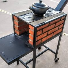 Rocket Stove Design, Diy Rocket Stove, Rocket Stoves, Diy Pizza Oven, Pizza Oven Outdoor, Outdoor Cooking, Outdoor Stove, Diy Outdoor Kitchen, Fire Pit Grill