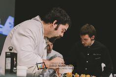 """Jesús Iñigo Luri y Nerea Sistiaga. Del  bar restaurante Ábaco, en la calle Zubiarte s/n de Huarte. Participaron en el Campeonato de Euskal Herria de Pintxos con """"Airbag"""". Y ganaron el Premio Keler al Pintxo que mejor Marida con Cerveza. Cómprate un libro de campeonato con todas las recetas y fotos: http://www.campeonatodepintxos.com/tienda/ #Hondarribia #Pintxos #Pinchos #Tapas #Fuenterrabía #Fontarrabie @hondarribiaturi  @euskadipintxos"""