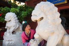 Meet Mulan in the China Pavilion at Epcot tami@goseemickey.com